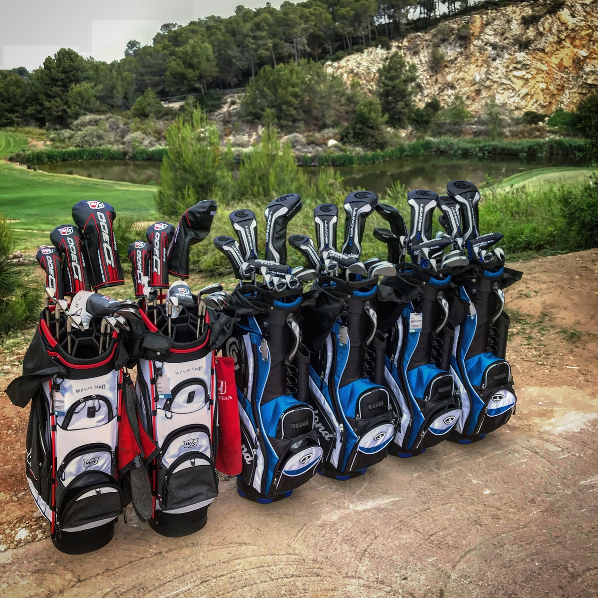 <p>Golf sets booked include cover insurance for broken clubs and free pick up & delivery service (check shipping conditions)</p>